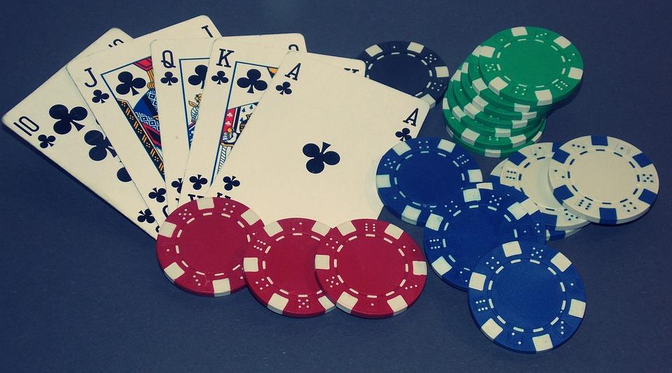 Разница между Онлайн и Оффлайн покером